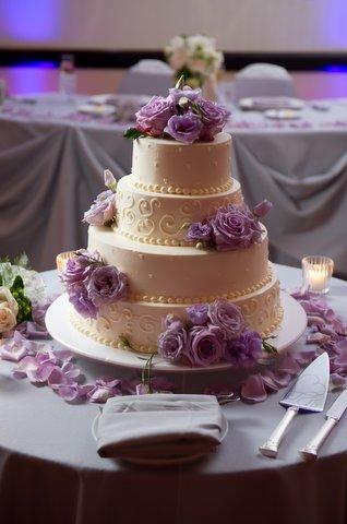 Lavender rose cake details