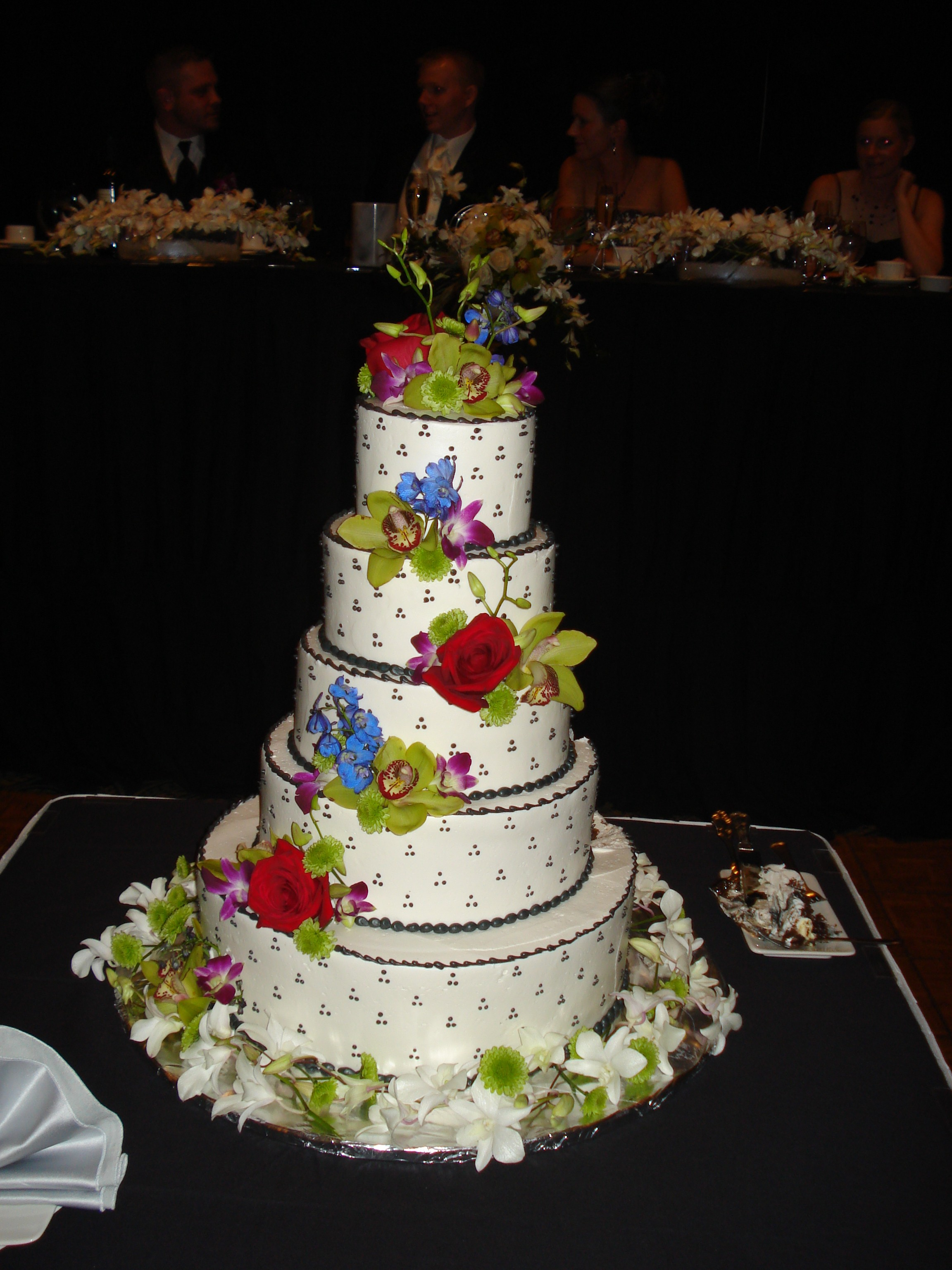 cascade style cake flowers