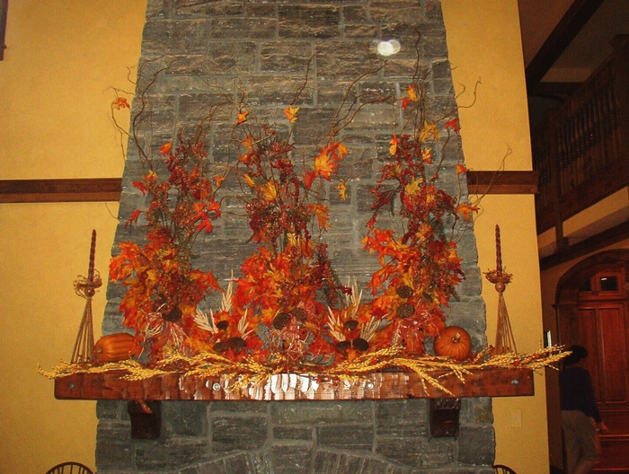 Custom autumn mantle